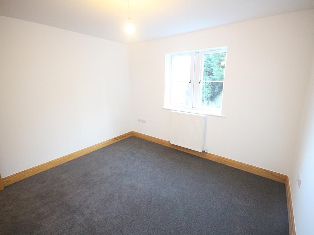 2 bedroom flat For Sale in Foulridge, Colne - IMG_0933.jpg